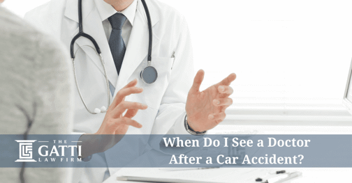doctor speaking with a patient after a car accident
